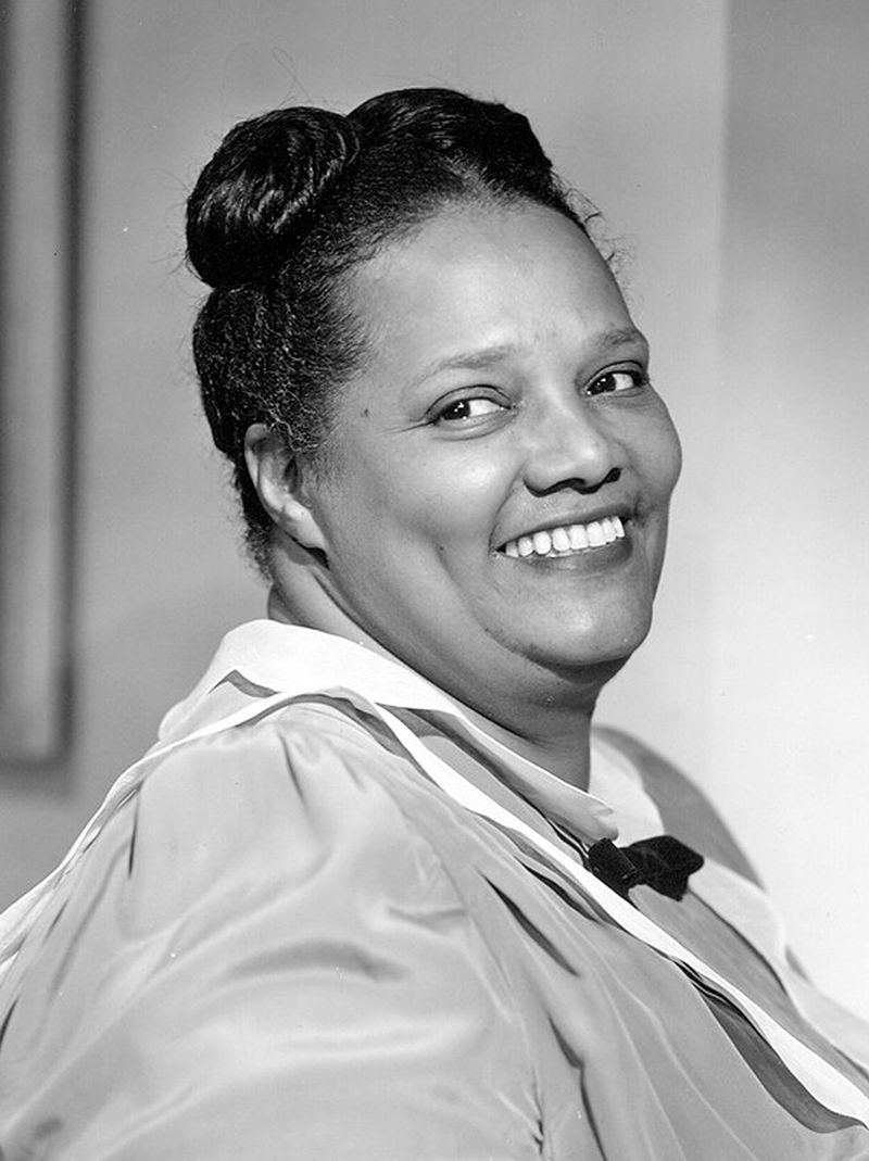 Josephine Tewson (born 1939) picture