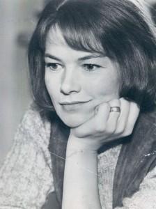 Publicity photo of Glenda Jackson in 1971